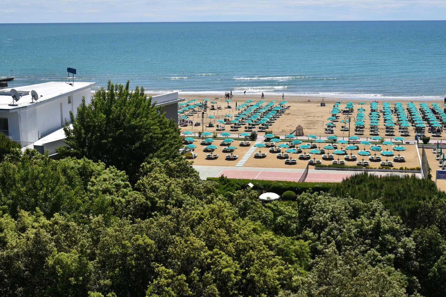 Hotel 3 stelle jesolo fronte mare con spiaggia privata hotel janeiro - Hotel jesolo con piscina fronte mare ...